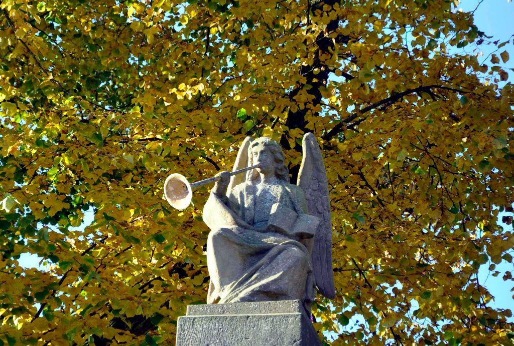 Friedhofsengel Herbst